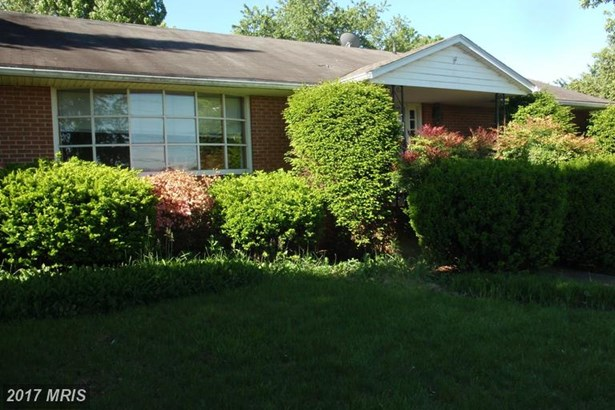 Dwelling, Raised Rancher - HAGERSTOWN, MD (photo 2)