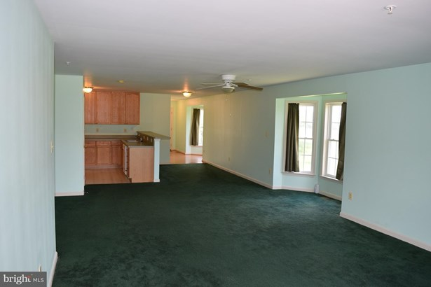 Ranch/Rambler, End Of Row/Townhouse - SMITHSBURG, MD (photo 2)