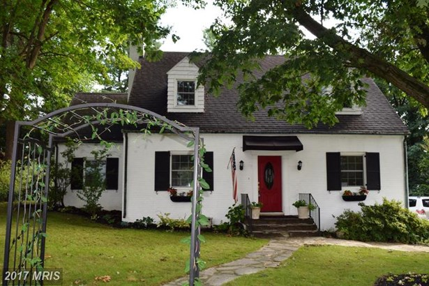 Cape Cod, Detached - HAGERSTOWN, MD (photo 1)