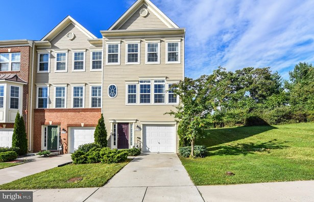 Colonial, End Of Row/Townhouse - FREDERICK, MD
