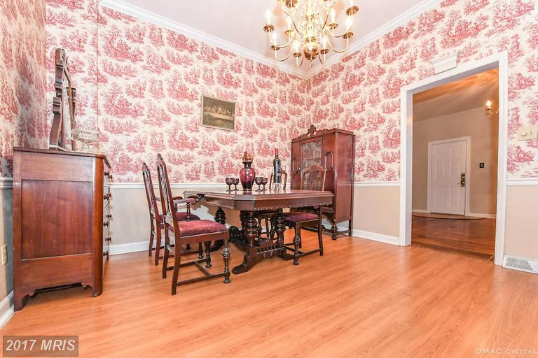 Victorian, Attach/Row Hse - WILLIAMSPORT, MD (photo 3)