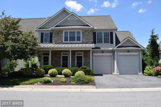 Condo,Semi-Detached, Colonial - HAGERSTOWN, MD (photo 1)
