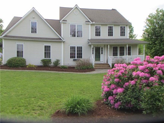 Single Family For Sale, Colonial - East Granby, CT (photo 1)