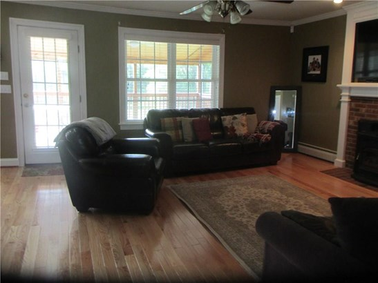 Single Family For Sale, Colonial - East Granby, CT (photo 4)