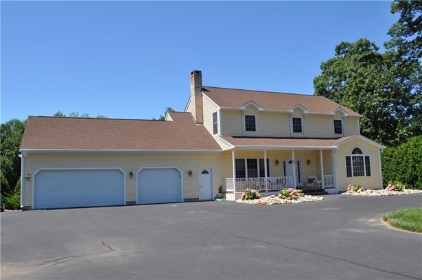 Single Family For Sale, Colonial - Suffield, CT (photo 4)