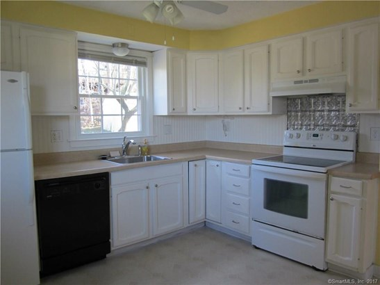 Single Family For Sale, Cape Cod - Manchester, CT (photo 3)