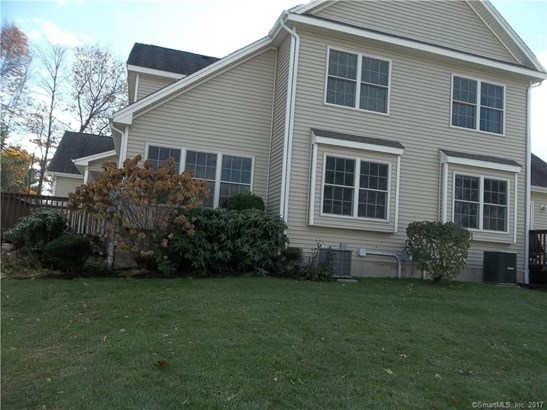 Townhouse, Condominium - East Windsor, CT (photo 2)