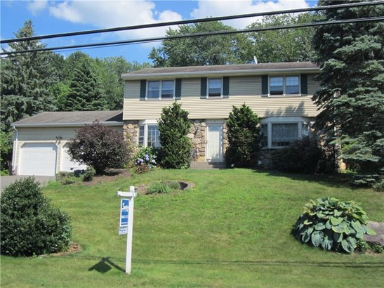 Single Family For Sale, Colonial - Vernon, CT (photo 1)