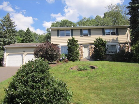 Single Family For Sale, Colonial - Vernon, CT (photo 5)