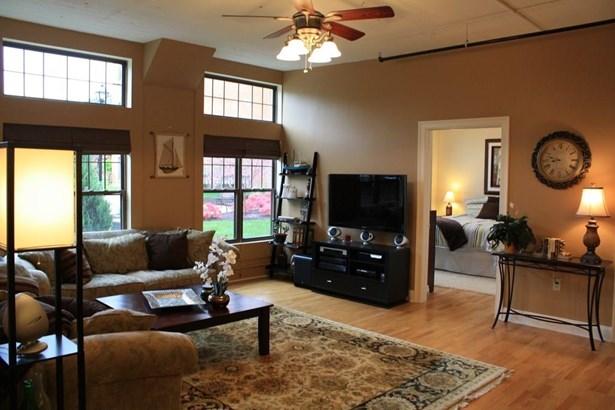 Condominium, Ranch - Windsor, CT (photo 4)