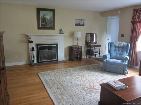Single Family For Sale, Ranch - Manchester, CT (photo 5)