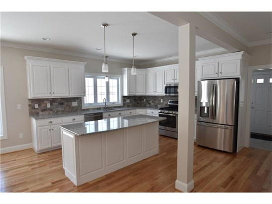 Single Family For Sale - Manchester, CT (photo 5)