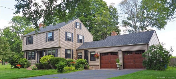 Single Family For Sale, Colonial - Coventry, CT (photo 1)