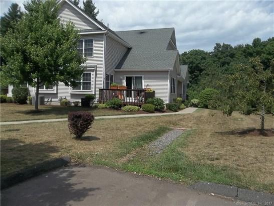 Townhouse, Condominium Rental - East Windsor, CT (photo 2)