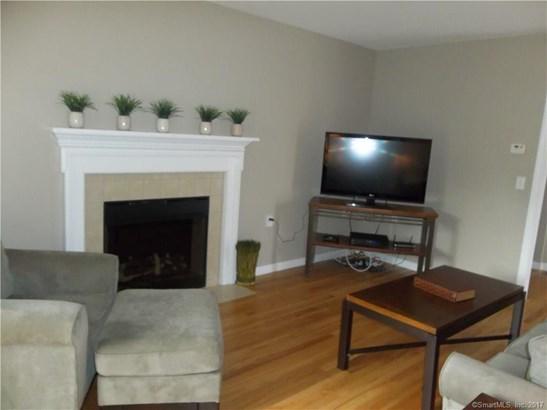 Townhouse, Condominium Rental - East Windsor, CT (photo 3)