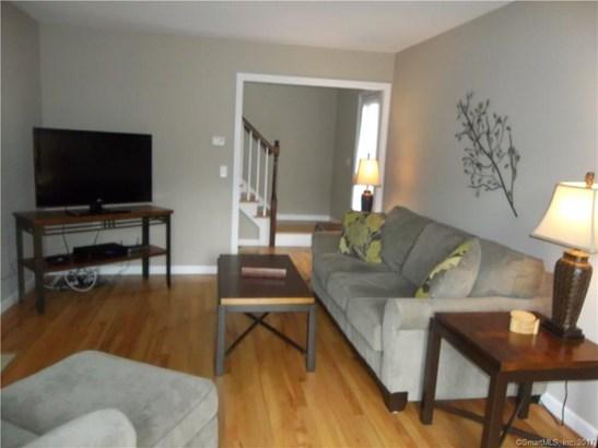 Townhouse, Condominium Rental - East Windsor, CT (photo 4)