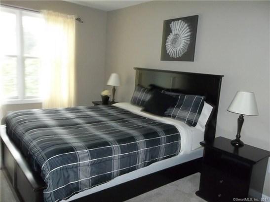 Townhouse, Condominium Rental - East Windsor, CT (photo 5)