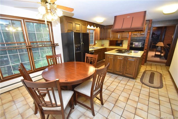 Single Family For Sale, Colonial - Windsor, CT (photo 4)
