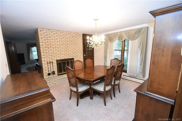 Single Family For Sale, Colonial - Windsor, CT (photo 5)