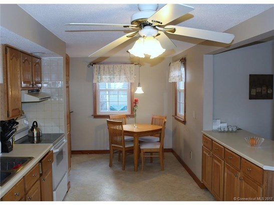 Cape Cod, Single Family Rental - Windsor Locks, CT (photo 4)