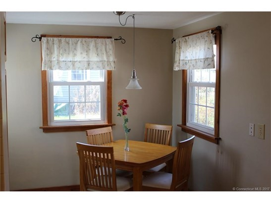 Cape Cod, Single Family Rental - Windsor Locks, CT (photo 5)