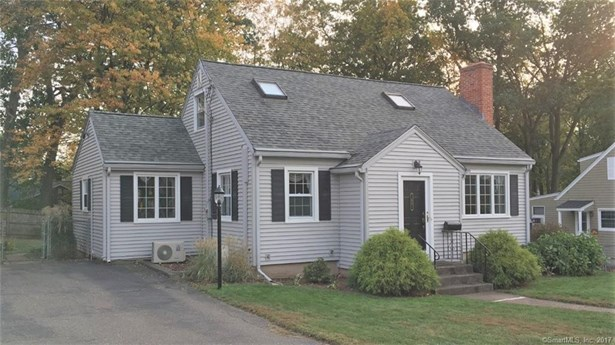 Single Family For Sale, Cape Cod - Manchester, CT (photo 1)