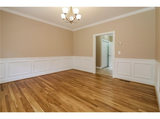 Single Family For Sale, Colonial - Manchester, CT (photo 5)