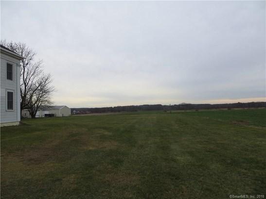 Ellington, CT - USA (photo 3)