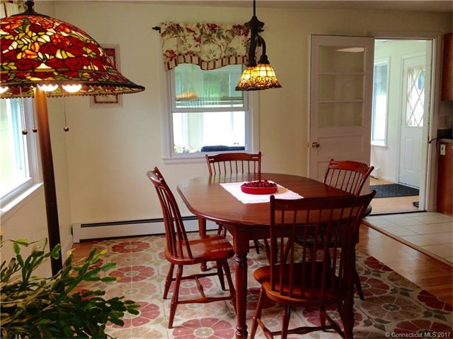 82 Spoonville Rd, East Granby, CT - USA (photo 4)