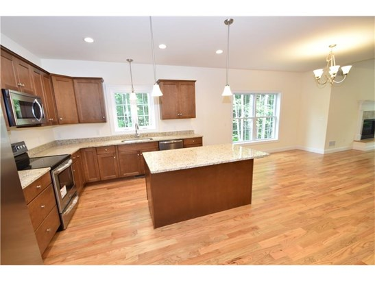 Single Family For Sale - Manchester, CT (photo 3)
