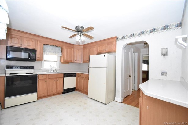 Single Family For Sale, Cape Cod - Manchester, CT (photo 2)