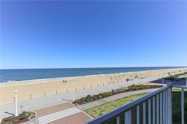 Attached,Attached Residential, High-Rise - Virginia Beach, VA