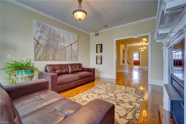 Attached,Attached Residential, Apartment - Norfolk, VA