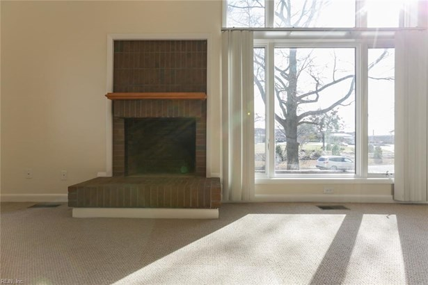 Attached,Attached Residential, Contemp,Lo Rise - Norfolk, VA (photo 5)