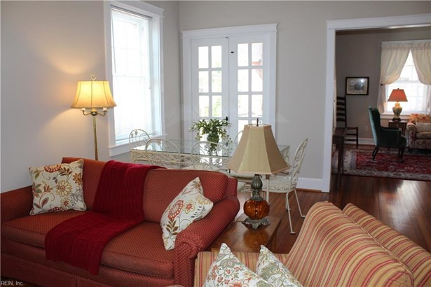 Attached,Attached Residential, Apartment,Traditional - Norfolk, VA (photo 2)