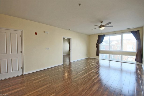 Apartment,Mid Rise, Attached,Attached Residential - Norfolk, VA (photo 2)