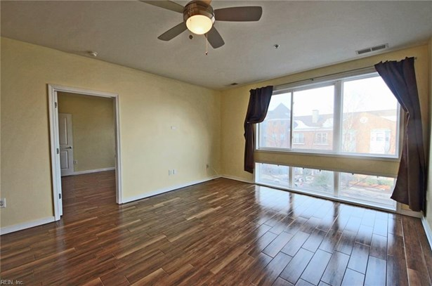 Apartment,Mid Rise, Attached,Attached Residential - Norfolk, VA (photo 4)