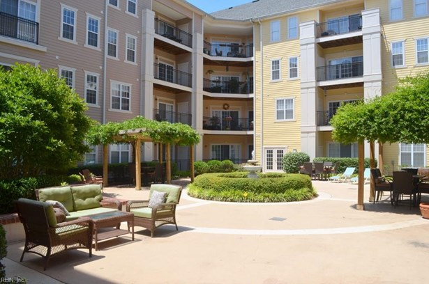 Attached,Attached Residential, Contemp,Mid Rise - Norfolk, VA (photo 5)