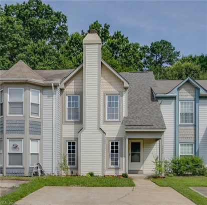 Attached,Attached Residential, Townhouse,Traditional - Virginia Beach, VA (photo 1)