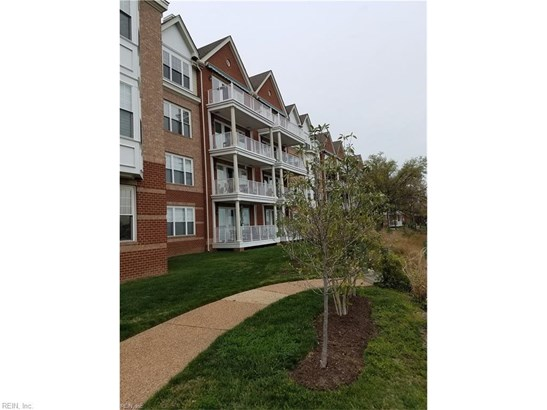 Attached,Attached Residential, Mid Rise - Norfolk, VA (photo 1)