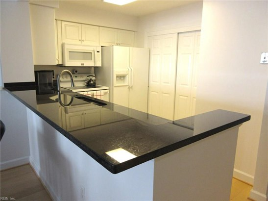Attached,Attached Residential, Apartment,High-Rise - Portsmouth, VA (photo 2)