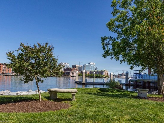 Attached,Attached Residential, Mid Rise - Norfolk, VA (photo 2)