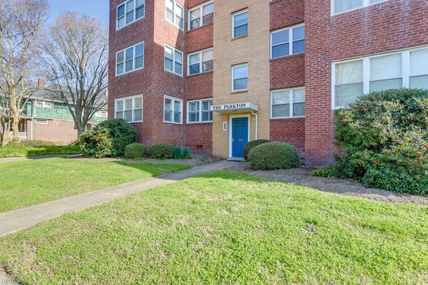 Attached,Attached Residential, Apartment - Norfolk, VA (photo 1)
