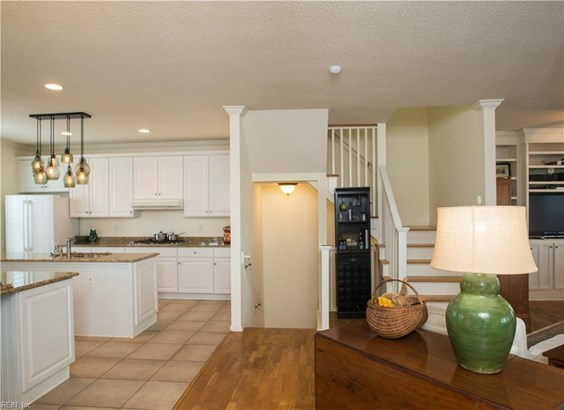 Transitional, Detached,Detached Residential - Norfolk, VA (photo 5)
