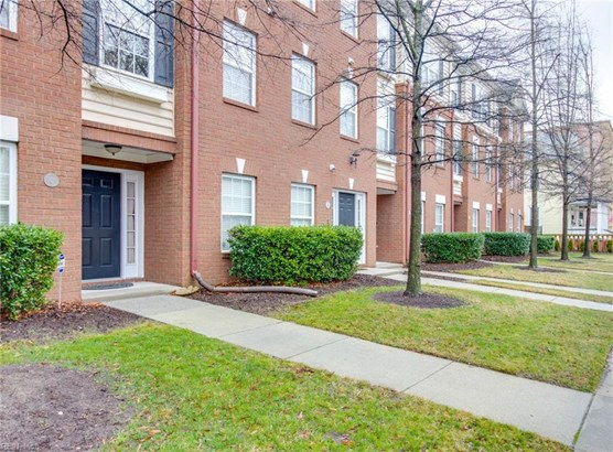 Attached,Attached Residential, Townhouse - Norfolk, VA (photo 3)