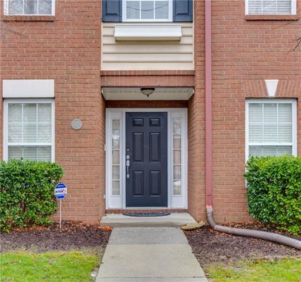 Attached,Attached Residential, Townhouse - Norfolk, VA (photo 4)