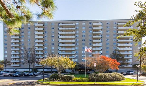 Attached,Attached Residential, Apartment,High-Rise - Norfolk, VA (photo 1)