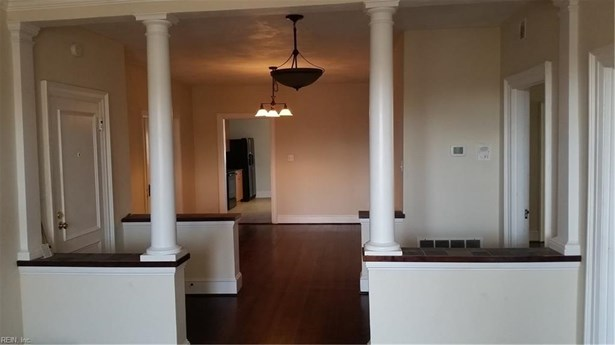 Attached,Attached Residential, Apartment,Colonial - Norfolk, VA (photo 3)