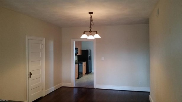 Attached,Attached Residential, Apartment,Colonial - Norfolk, VA (photo 4)