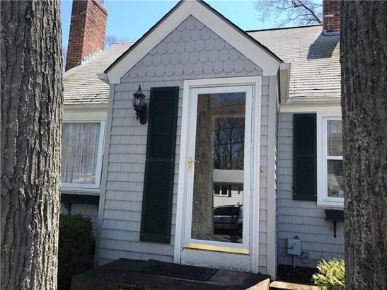 Cape Cod, Cross Property - Warwick, RI (photo 2)